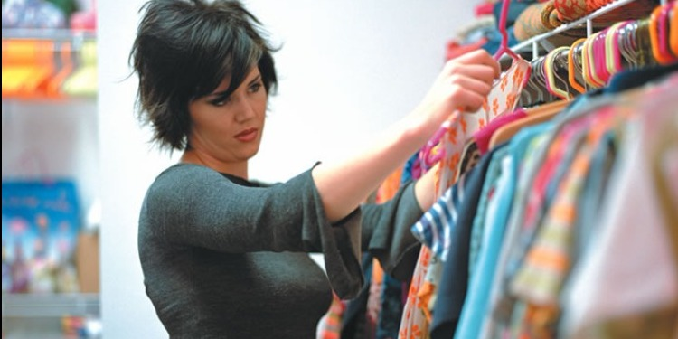هل أن الملابس المٌثيرة للمرأة مٌبرر للتحرش الجنسي بها ؟