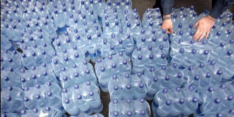 باجة: إتلاف سلسلة كاملة من المياه المعدنية المعلبة لإحتوائها على ''جراثيم''