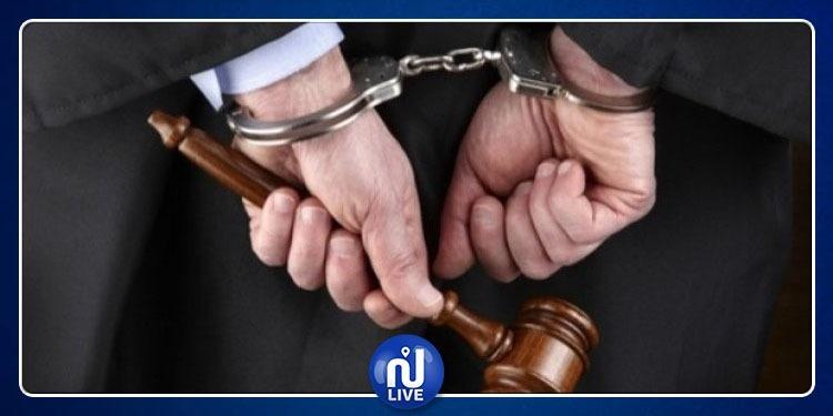 القصرين:إصدار بطاقة ايداع بالسجن في حق ديواني متهم بقتل مهرّب