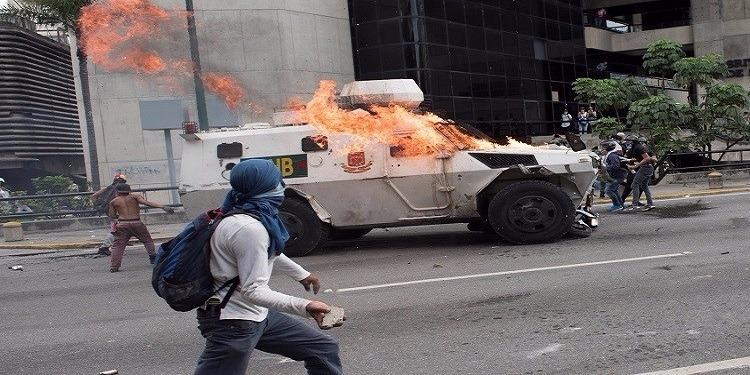 فنزويلا: ارتفاع عدد قتلى الاشتباكات بين قوات الأمن والمحتجين إلى 34 قتيلا