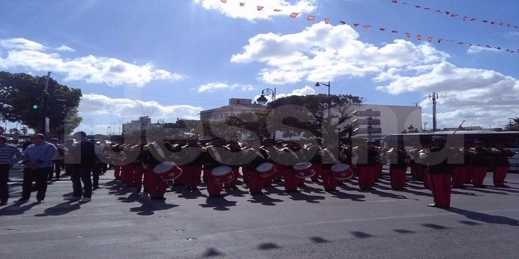 ''يوم دون سيارة'' بشارع الحبيب بورقيبة (صور وفيديو)