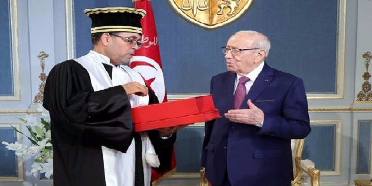 تقديم التقرير السنوي لدائرة المحاسبات لرئيس الجمهورية