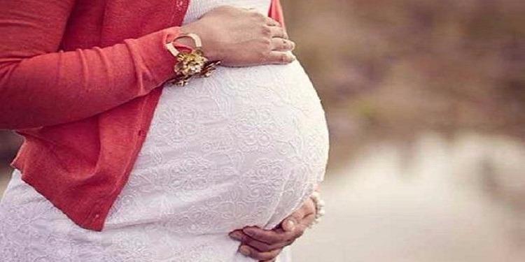 في حادثة هي الأولى من نوعها...برتغالية تحمل بطفل ابنتها!