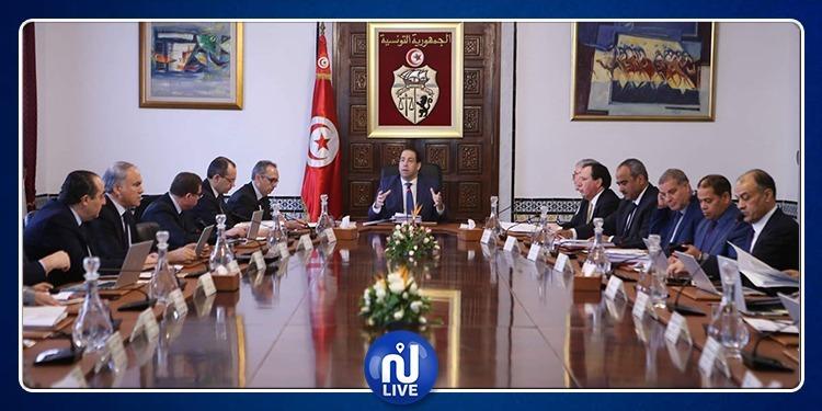 أمر حكومي بإحداث لجنة وزارية وكتابة عامة لشؤون البحر