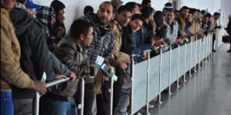 الهجرة غير النظامية...إيطاليا ترحّل 17 شابا أصيلي ولاية تطاوين