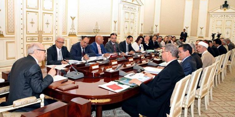قايد السبسي يشرف على اجتماع وزاري حول المصالحة الوطنية