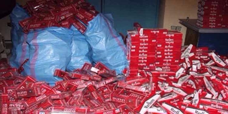 رأس الجبل: حجز 6 آلاف علبة من السجائر المهربة ولعب خطيرة على الأطفال داخل مستودع