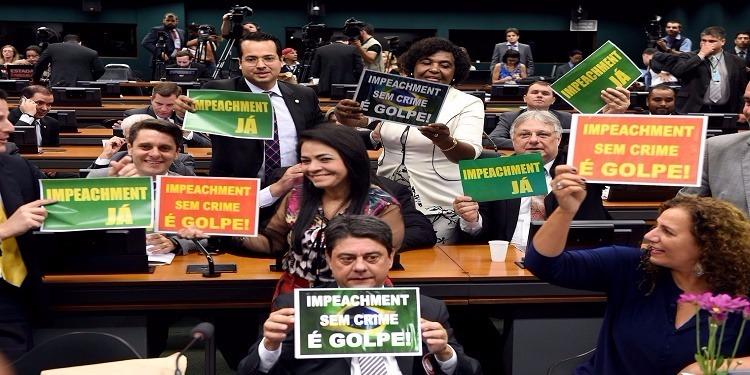 Brésil : la Chambre des députés vote en faveur de la destitution de la présidente Dilma Rousseff