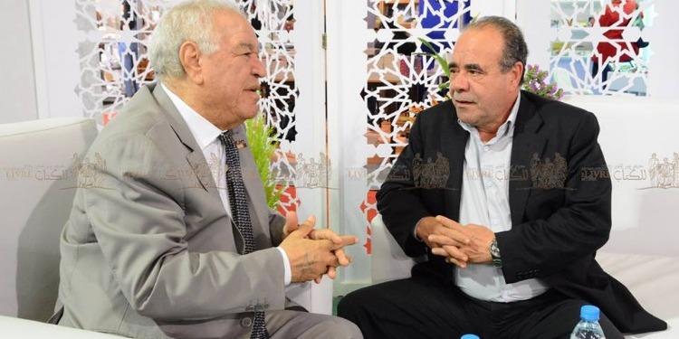 الجزائر تهب تونس مجموعة كبيرة من الكتب