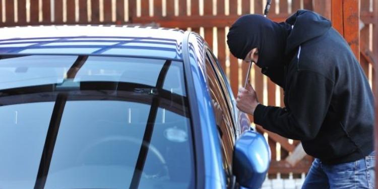 برج الوزير: إيقاف شخص من أجل السرقة من داخل سيارة