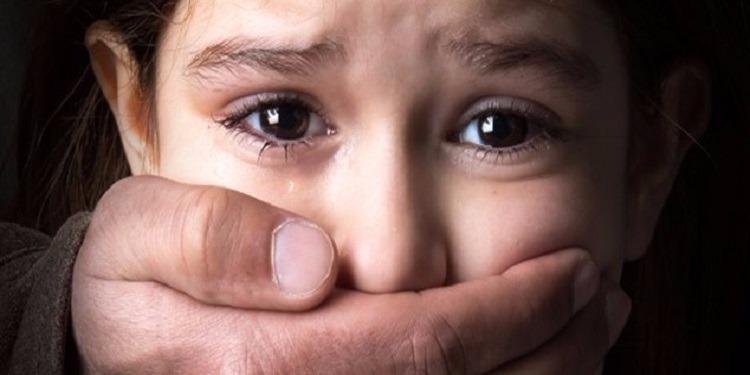 اختطف ابنة زوجته ذات الـ11 ربيعا و سجنها و عنّفها وأنجب منها 9 أطفال (صور)