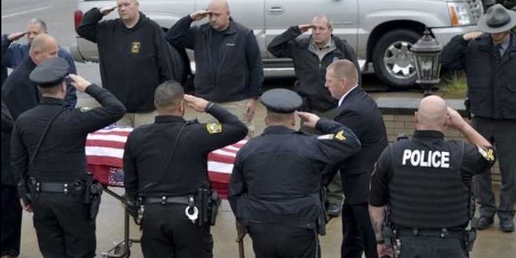 مقتل شرطيين في إطلاق نار بولاية أوهايو الأمريكية