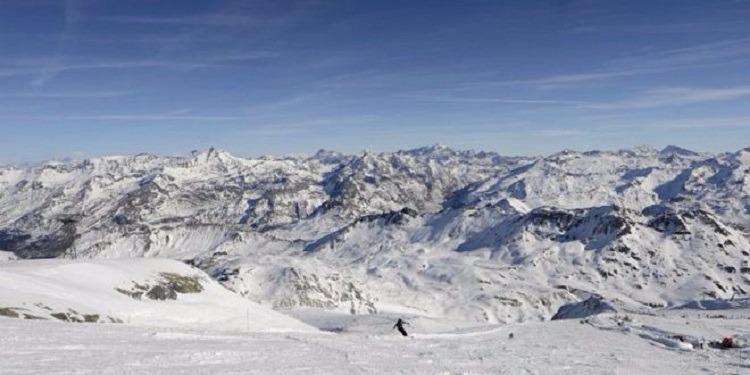 وفاة متزلجان سويسريان بانهيار ثلجي في جبال الألب