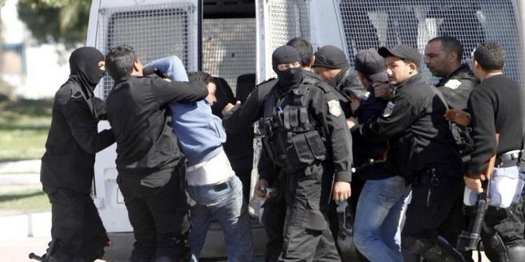 سليمان: القبض على مروجي مخدرات (صور)