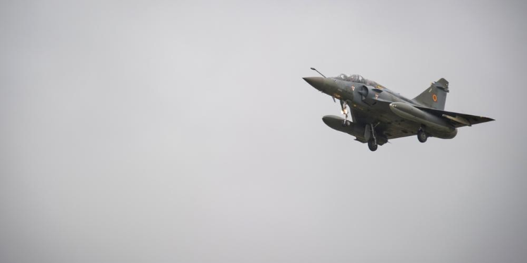 بعد مذبحة باريس... غارات فرنسية على داعش بالرقة (سوريا)