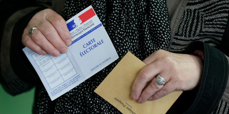 فرنسا تجري انتخابات محلية في ظل حالة الطوارئ