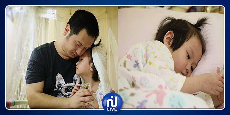 مريضة بالسرطان.. أب يقيم حفل زفاف لإبنته الصغيرة في المستشفى (صور)