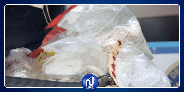مطار تونس قرطاج: حجز كمية من الكوكايين بحوزة مسافر فرنسي