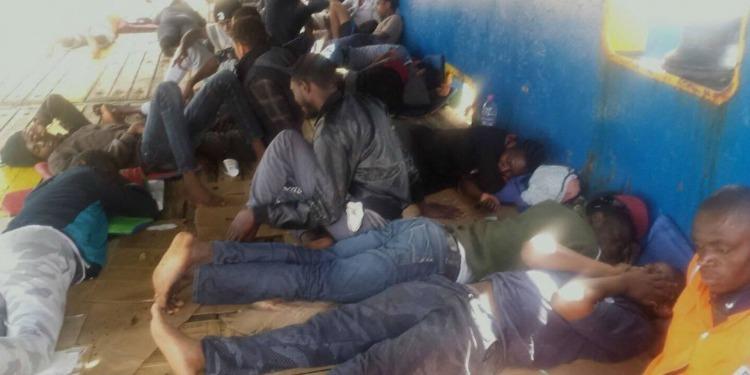 La Tunisie refuse d'accueillir 40 migrants, au large de ses côtes (Vidéo)