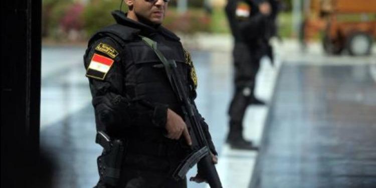 سيناء: مقتل أمنيين ومدني برصاص مسلحين