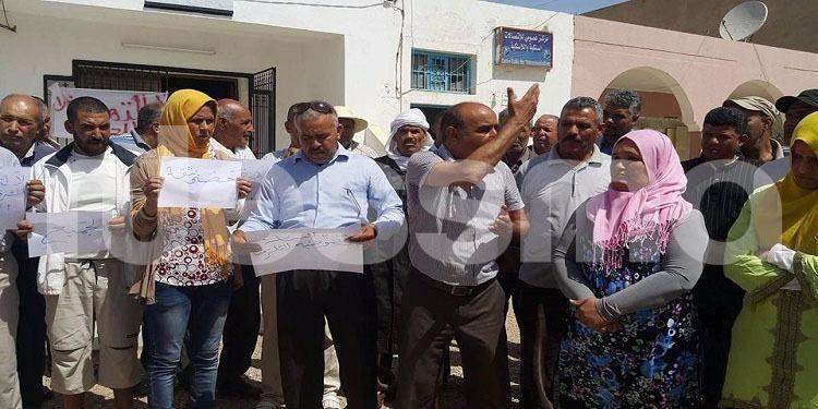 سيدي بوزيد: وقفة احتجاجية لاهالي عمادة السعيدة الشرقية بسبب غياب ممثل عنهم في النيابة الخصوصية