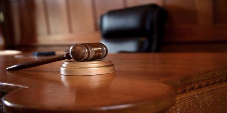 صفاقس: مختل عقليا ينتزع كرسي رئيس المحكمة ويرفض مغادرته