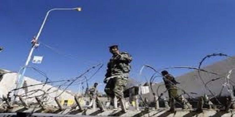 اليمن: مقتل 12 شخصا في هجوم لمسلحين على معسكر للجيش