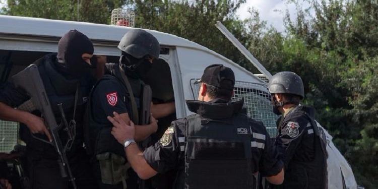 بن قردان: 3 ساعات من البحث عن مخبأ أسلحة في مقبرة سيدي خليف رفقة الارهابي الطاهر ضيف الله