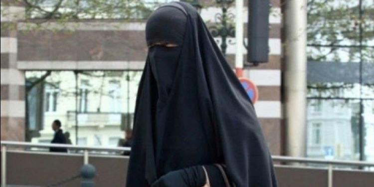 المهدية : القبض على منقبة مفتش عنها بتهمة السرقة والزنا