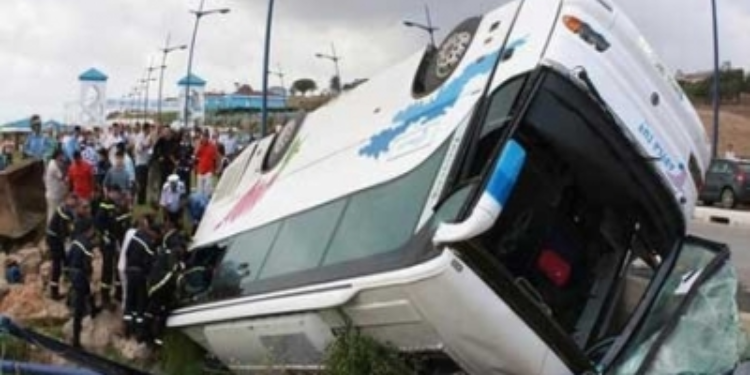 52 مصابا في انقلاب حافلة من فوق جسر ببئر مشارقة من ولاية زغوان
