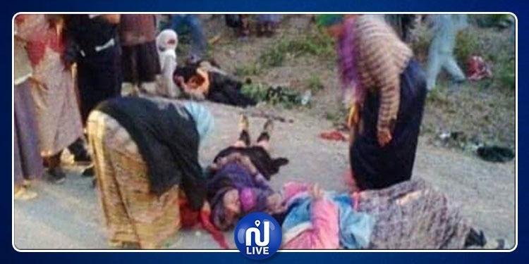الفحص: وفاة عاملتين وإصابة 14 أخريات في انقلاب شاحنة