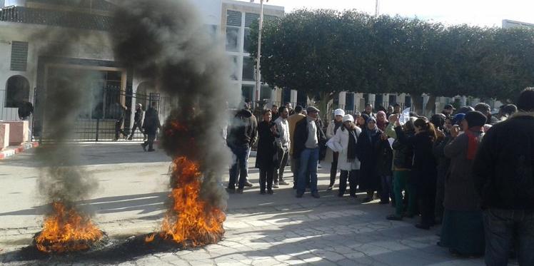 محاولة حرق مقر محكمة ومركزين أمنيين : إيقاف 4 متهمين