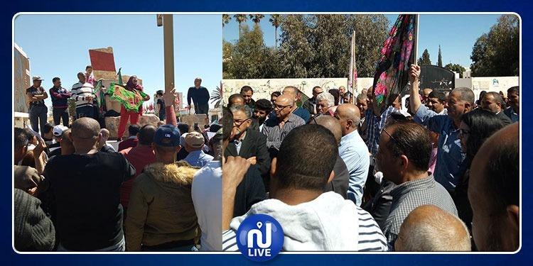 سيدي بوزيد: مسيرة تطالب بـ'استقالة الحكومة وإسقاط النظام' (فيديو)