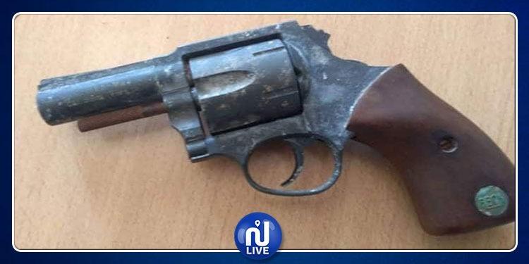 جندوبة: حجز مسدس قديم الصنع وإيقاف شخص في العقد السابع من عمره