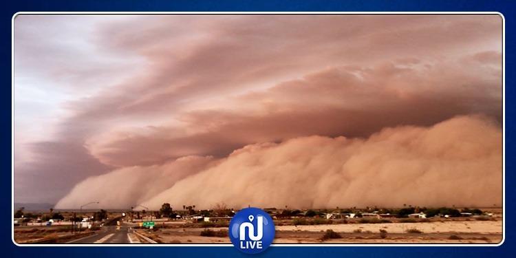 Algérie: Impressionnante tempête de sable à Tamanrasset