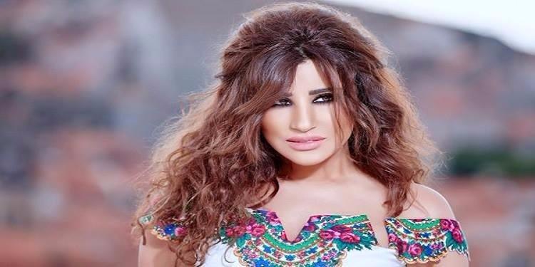 نجوى كرم تعلن عن موعد زفافها وسن زوجها