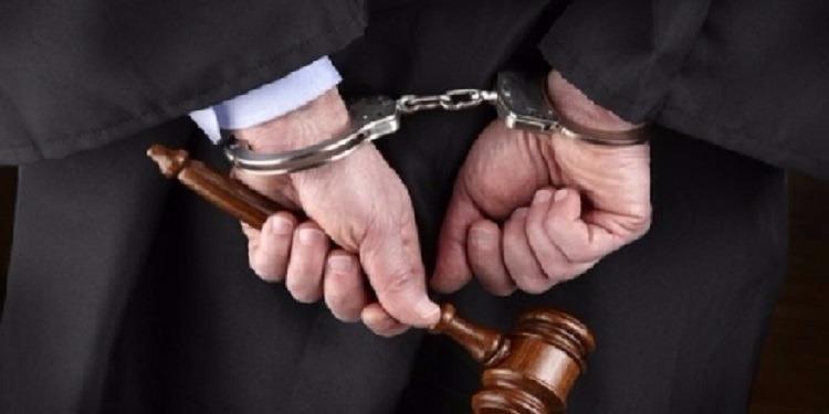 إيقاف 19 شخصا بينهم محاميتان ورئيس مركز أمن