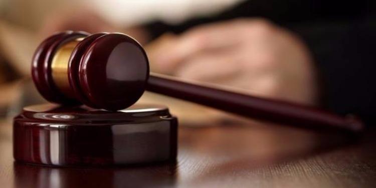 6 أشهر مع تأجيل التنفيذ في حقّ مغنّي راب بتهمة الإشادة بالإرهاب