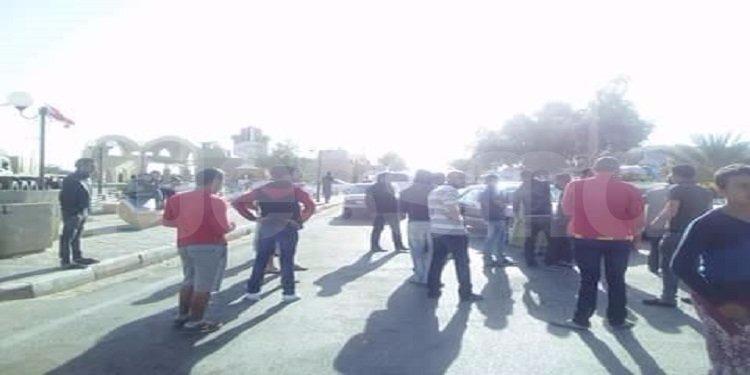 توزر : إغلاق معبر حزوة الحدودي