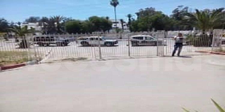 صفاقس: فض اعتصام أصحاب شهائد الدكتوراه ونقل 4 منهم إلى مركز الأمن