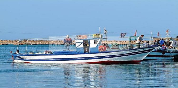 خفر السواحل الليبية تحجز ثلاثة مراكب على متنها بحارة من جرجيس