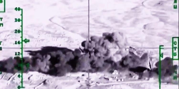 قاذفات روسية تٌدمر مواقع داعش في دير الزور السورية
