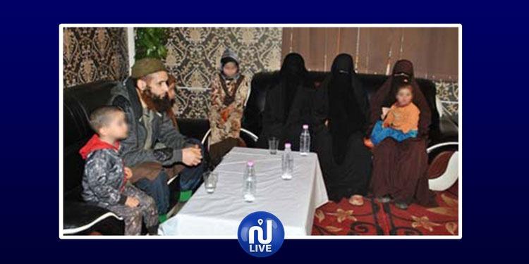 الجزائر: 3 إرهابيين و 3 عائلات يسلمون أنفسهم للسلطات العسكرية (صور)