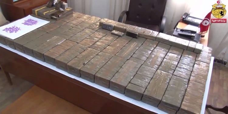 القصرين:  حجز 316 كلغ من مخدّر عجين التّكروري و 210 قرص من نوع
