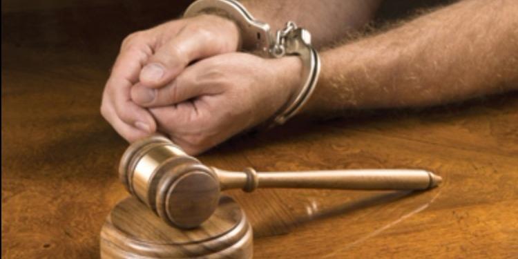 السجن لمدة سنتين مع المراقبة الإدارية في حق عنصر تكفيري بتهمة تكفير الرئيس