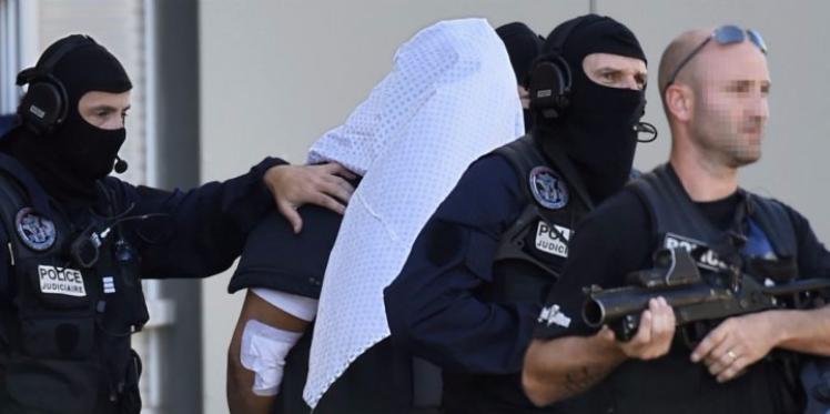 فرنسا: إنتحار ياسين صالحي