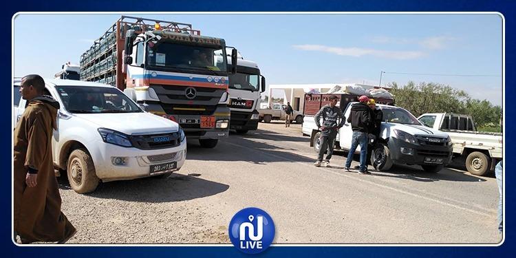 سيدي بوزيد: فلاحون يغلقون الطريق تنديدا بالترفيع في أسعار المحروقات