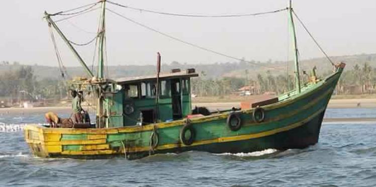 بن قردان : غرق مركب صيد ونجاة البحارين بعد ساعات من السباحة