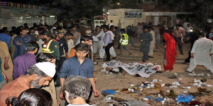 Pakistan : Un kamikaze se fait exploser…plus de 120 morts