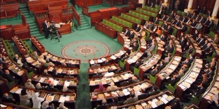 الفصل 42 من قانون المالية لسنة 2018 يتسبب في تعليق أشغال لجنة المالية